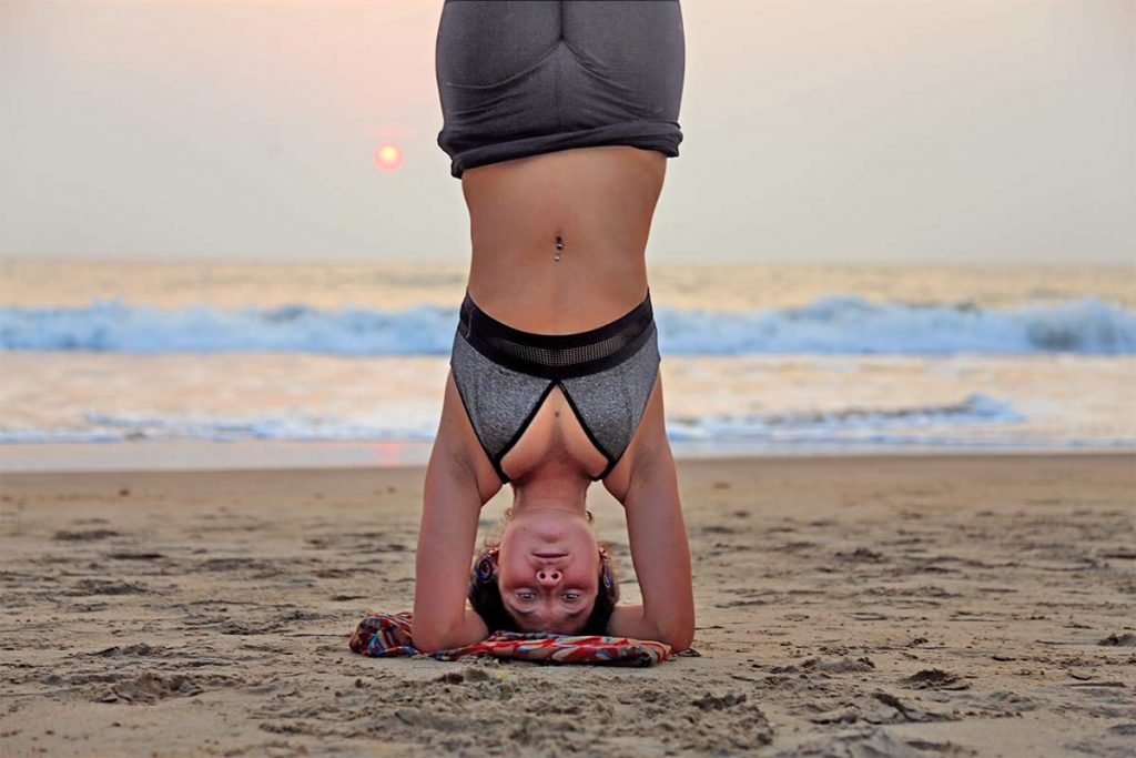 Shree Hari Yoga Yoga Teacher Training At The Beach Headstand sirsasana