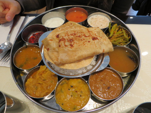 thali traditional style of serving food in India