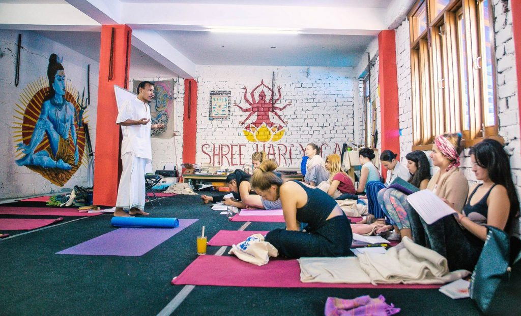Yoga Philosophy class at shree hari yoga school in dharamshala india
