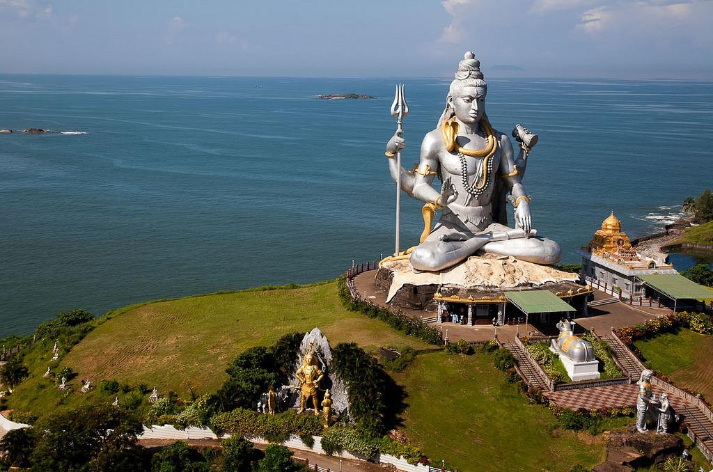 mahabhaleshwar statue gokarna, india