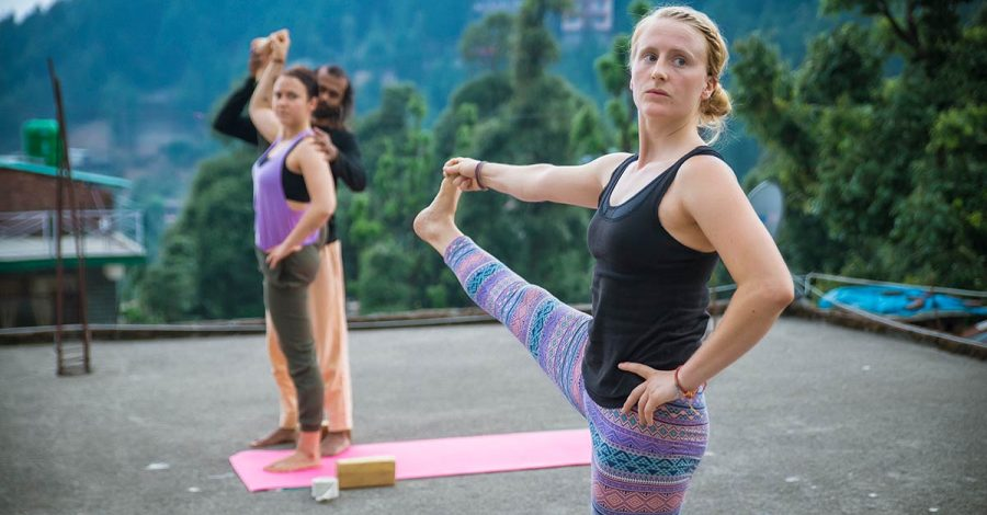4 Ways Yoga Can Help You Become More Confident